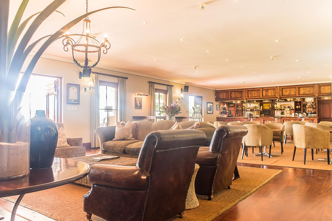 gowrie-club-house-gallery-golf-lodge-property-midlands-drakensberg-Nottingham-Road