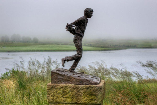 upcoming-events-at-gowrie-august-2012-archive-gowrie-farm-news-functions-midlands-meander-Nottingham-Road-kzn-trip-boy-statue