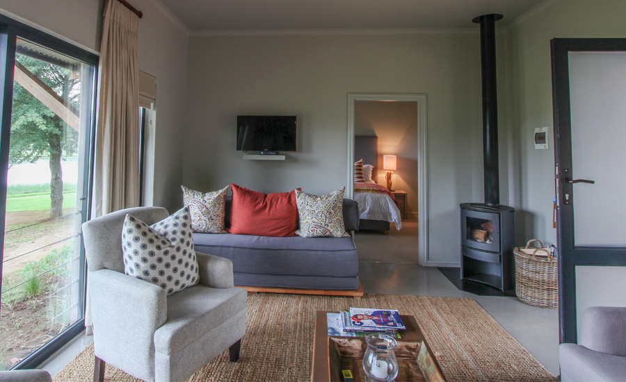 18th-hole-rooms-gowrie-farm-accommodation-luxury-room-drakensberg-kzn