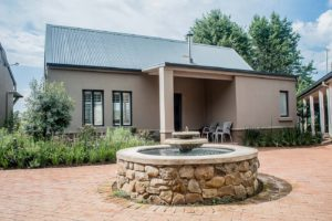 gowrie-farm-golf-lodge-gallery-kzn-functions-country-lifestyle-Nottingham-Road-golf-course-midlands