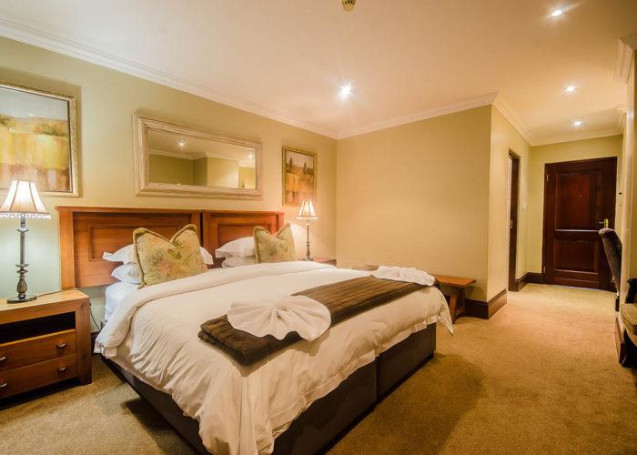 gowrie-farm-golf-lodge-rooms-holiday-venue-housing-development-golf-estate-midlands-Nottingham-Road-kzn