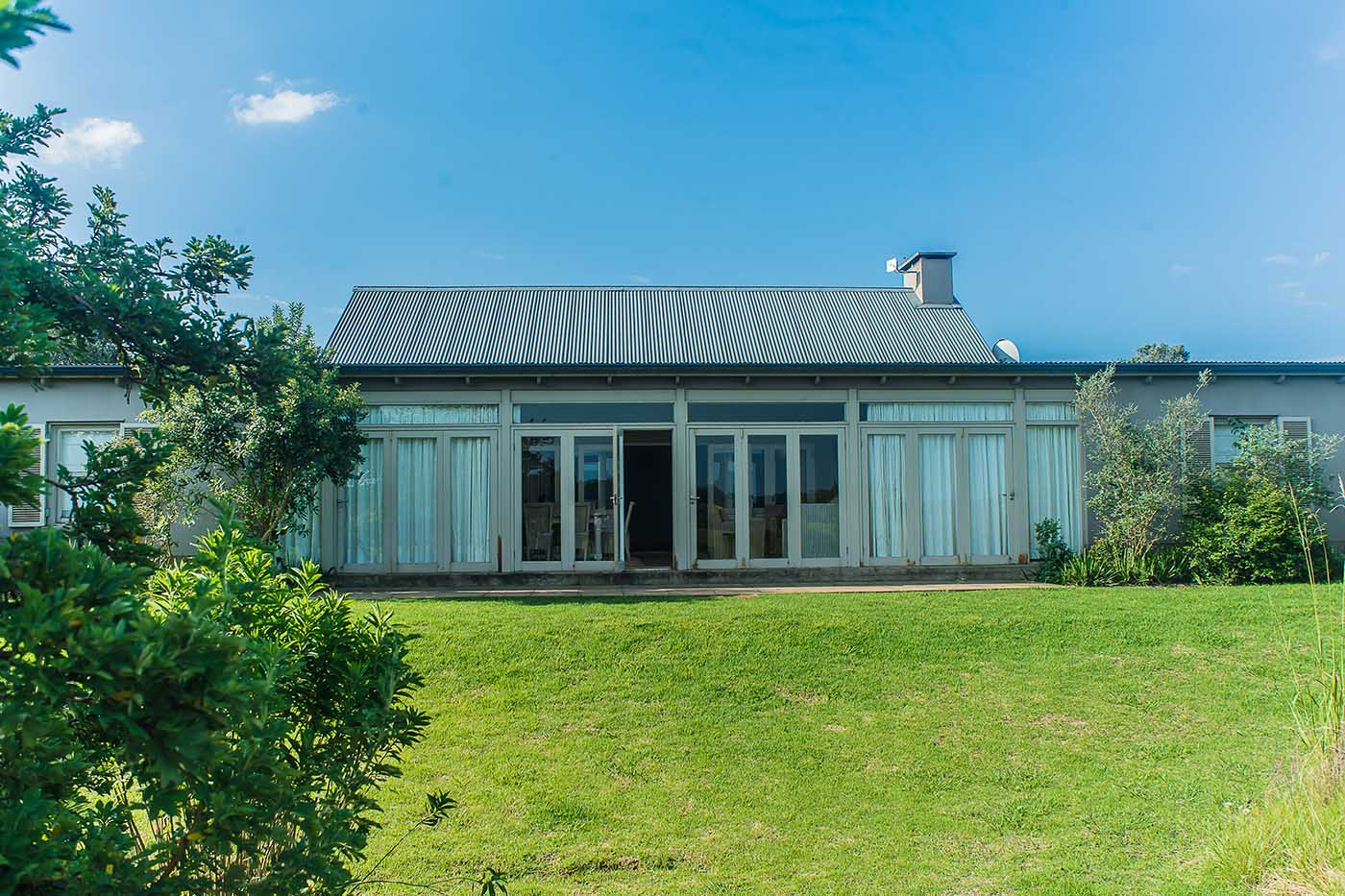 old-tom-morris-cottage-gallery-accommodation-gowrie-golf-course-functions-weddings-housing-development-midlands-kzn
