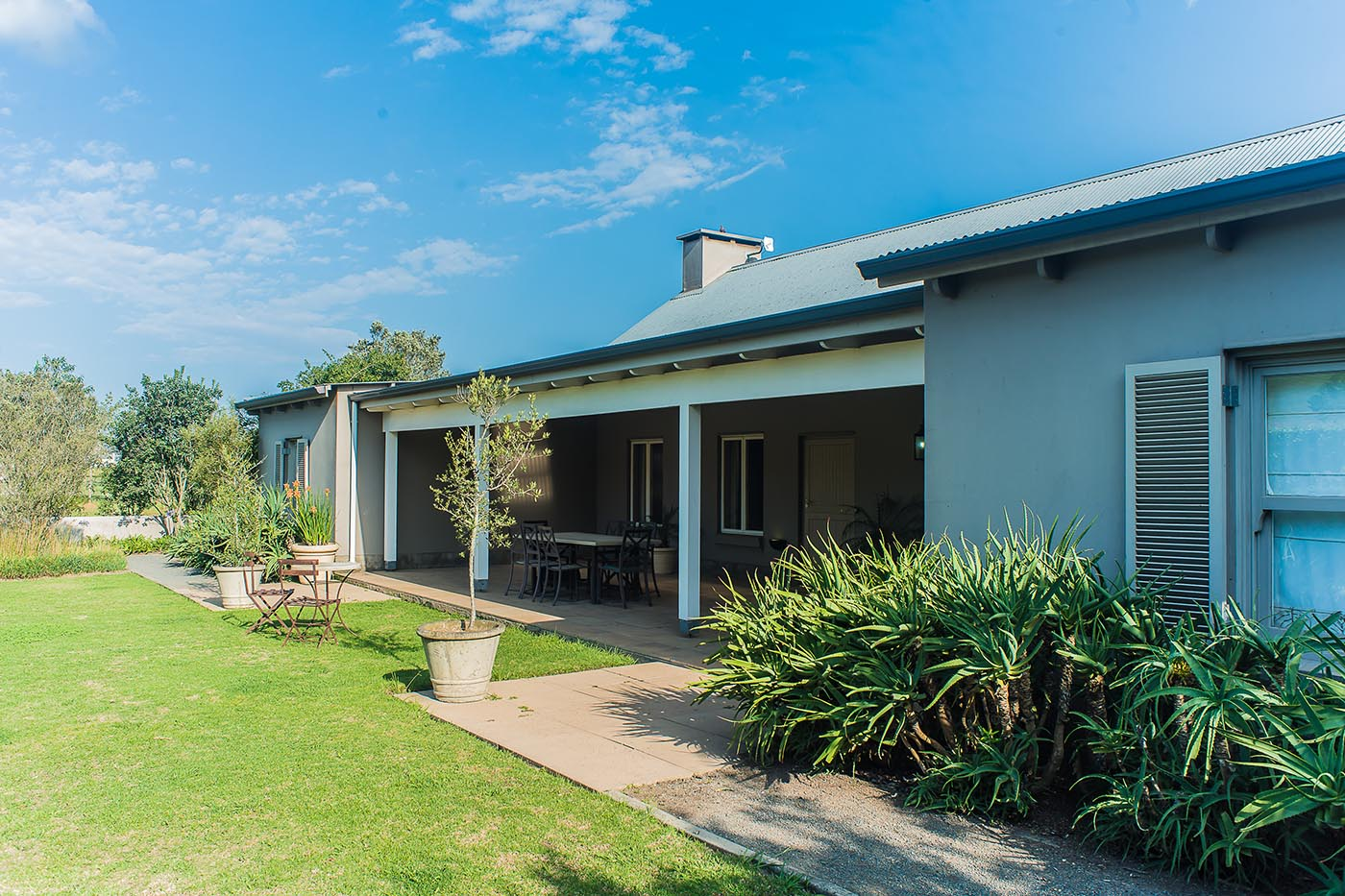 old-tom-morris-cottage-gallery-accommodation-gowrie-lodge-farm-midlands-Nottingham-Road-kzn